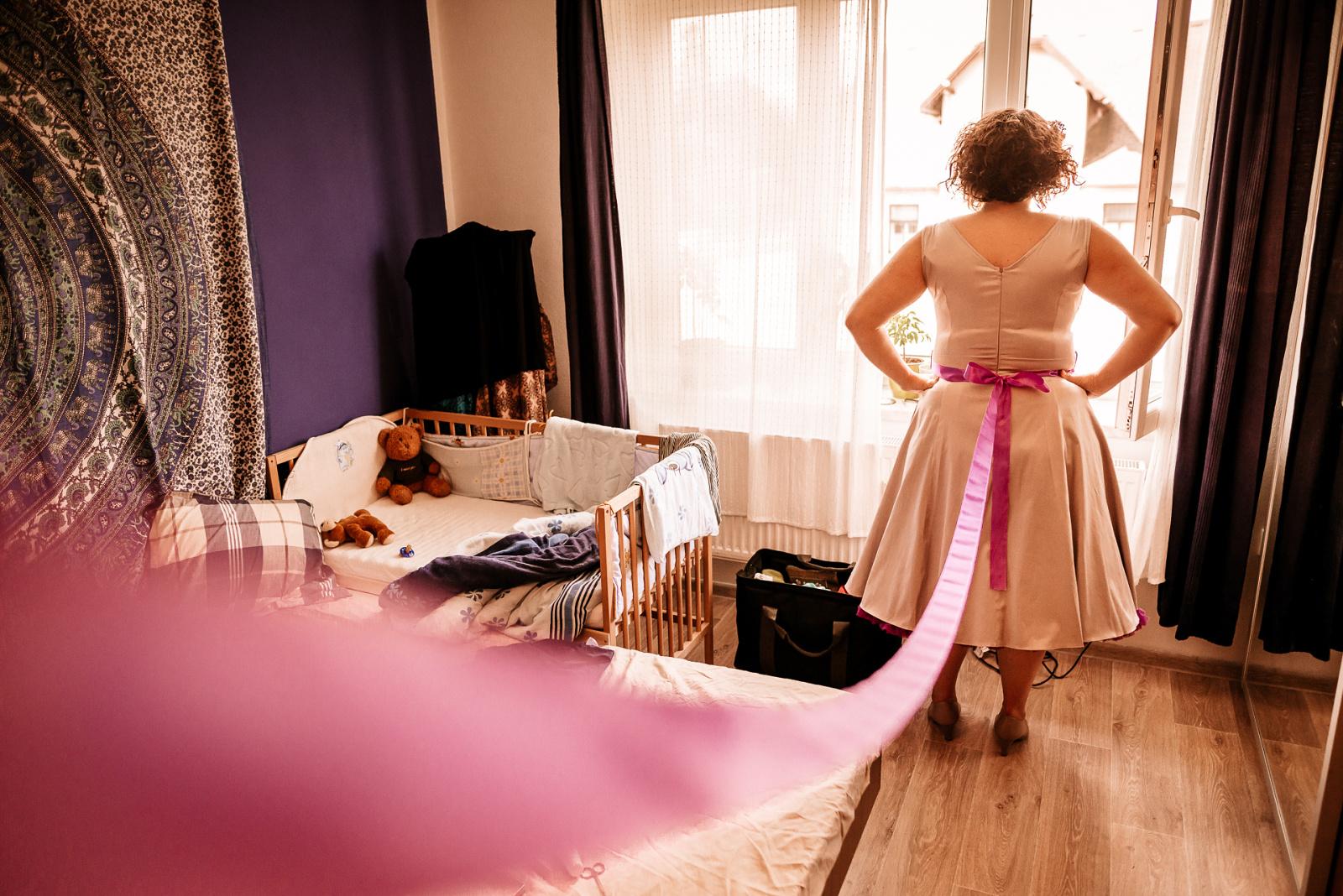 fotografie svatebních příprav u nevěsty