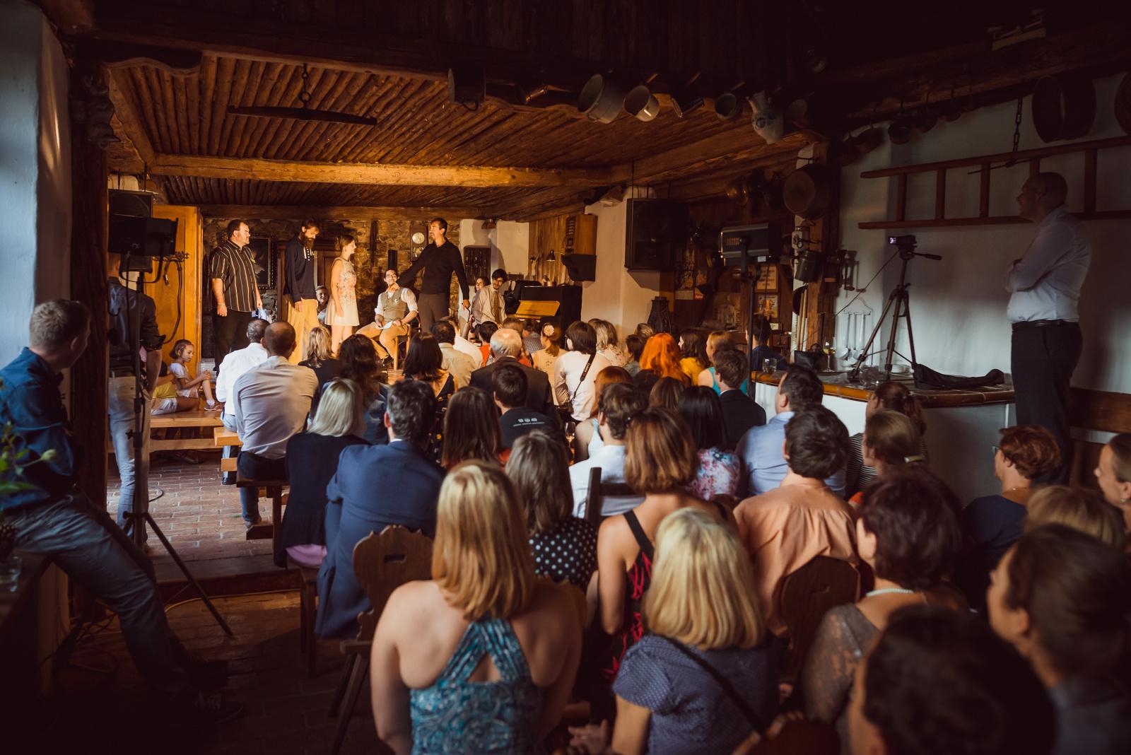 svatební improvizační představení