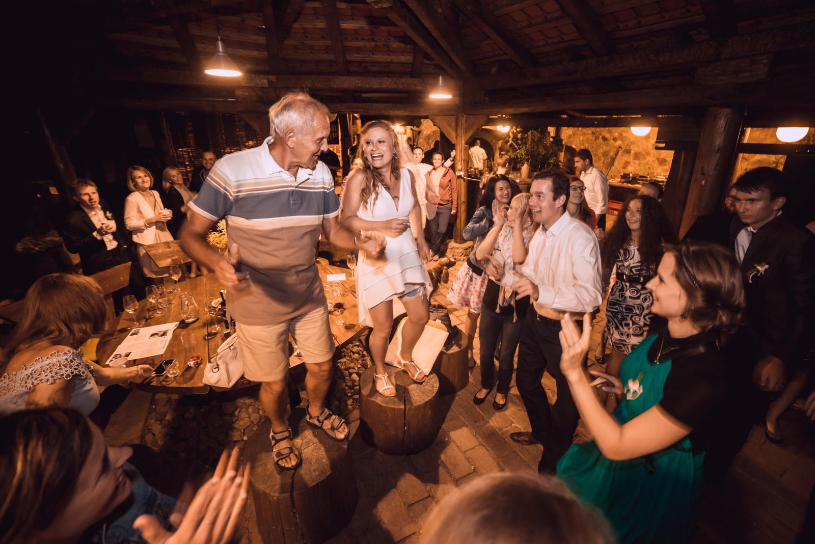 svatební tanec nevěsty s tatínkem